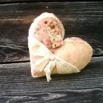 Primitive Romantic Heart Pi..